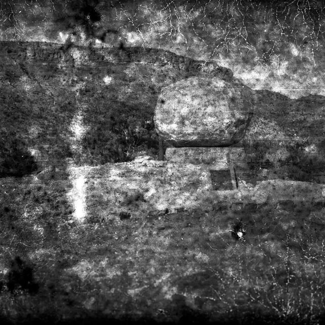Com trobar un lloc per un pedrot / John Flynn and his boulder