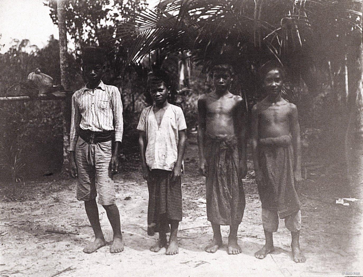 Малайские мальчики. Суматра