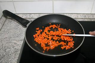 15 - Braise diced carrots / Möhrenwürfel andünsten