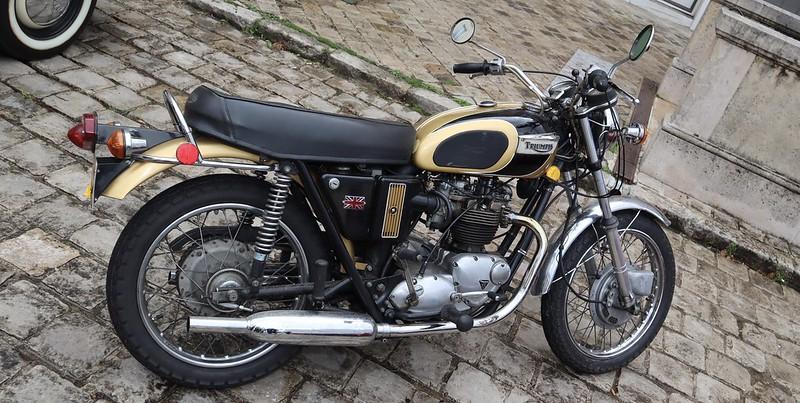 Triumph 650 T120R  Bonneville 1971  51288935887_d175e8aa26_c