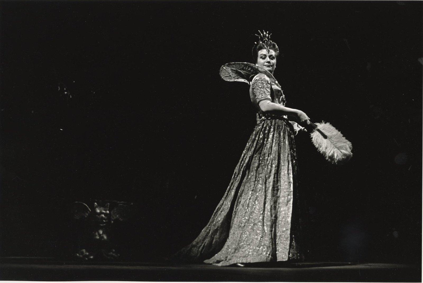 1964. Елена Образцова в партии Марины Мнишек в спектакле Большого театра «Борис Годунов»