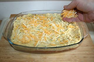 47 - Dredge with cheese / Mit Käse bestreuen