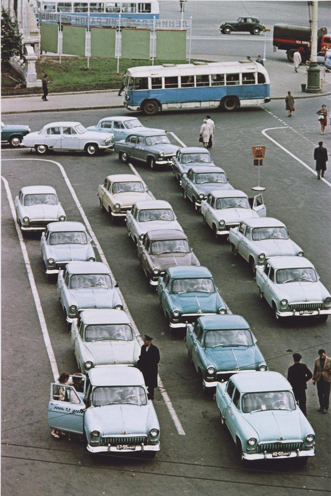 1960-е. Стоянка такси