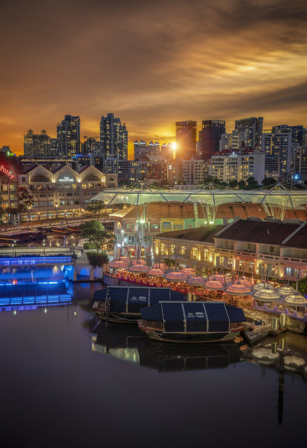 Saying bye to another weekend…beautiful sunset at Clarke quay.