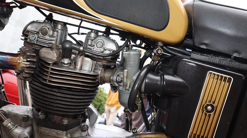 Triumph 650 T120R  Bonneville 1971  51289857993_4823579ac6_c