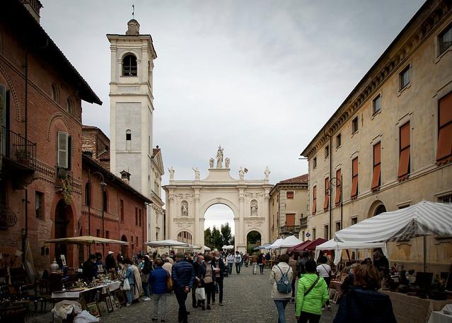 Mercato a Porta Narzole