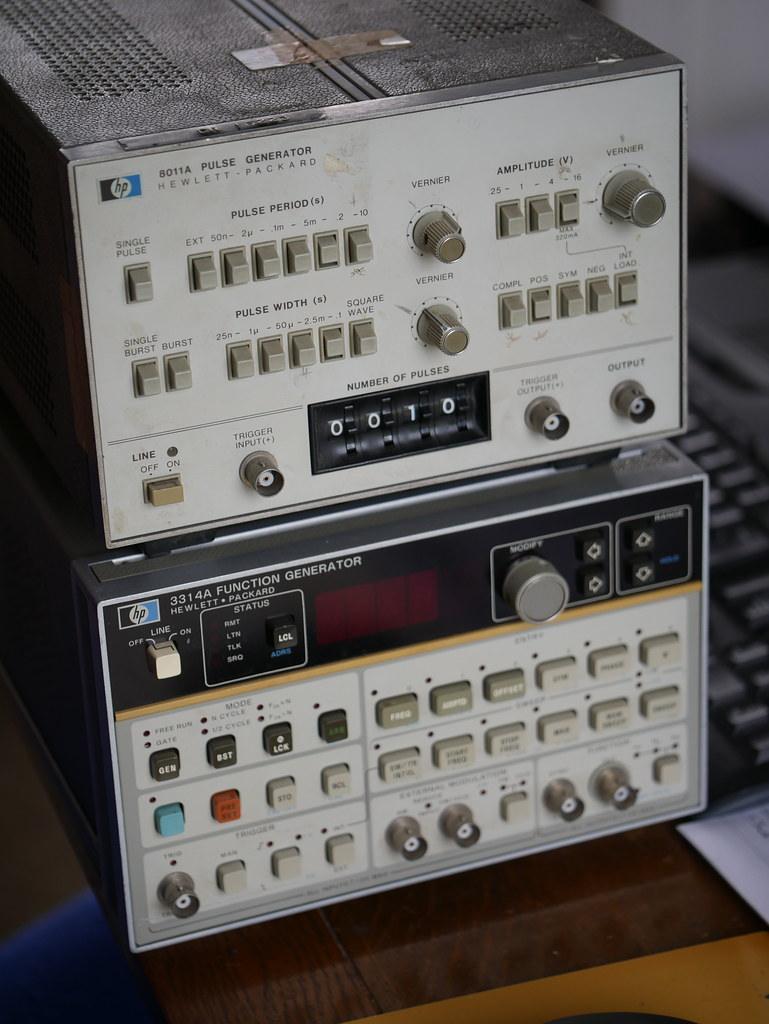 HP 3314A Function Generator and 8011A Pulse Generator