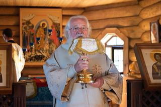 04.07.2021   Божественная литургия на городском кладбище Валдая