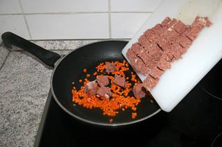 16 - Add corned beef / Corned Beef hinzufügen