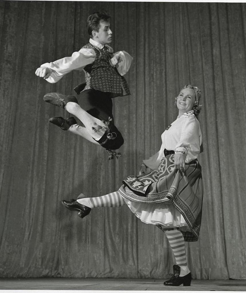 1958. Ансамбль народного танца СССР. Эстонская «Полька через ножку». Тамара Зейферт, Борис Березин