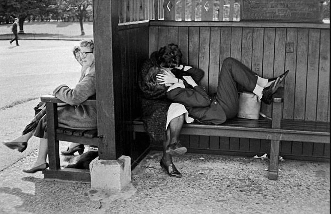 1957. Поцелуй
