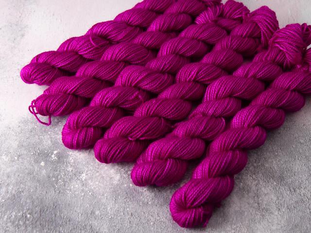 Favourite Sock Minis – pure Merino wool superwash 4 ply / fingering hand dyed yarn 20g miniskeins – 'Professor Plum'