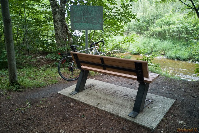 Banc, Bench, Parc des 7 Chutes, St-Georges, Beauce, Canada - 1057-4