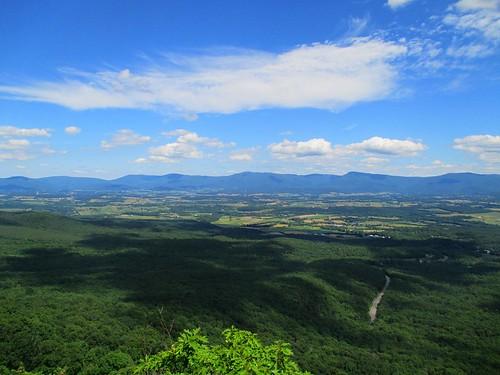 view mountains massanutten storybooktrail pagecounty virginia
