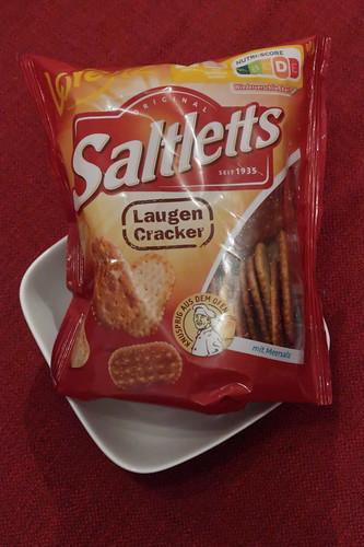 Laugen-Cracker