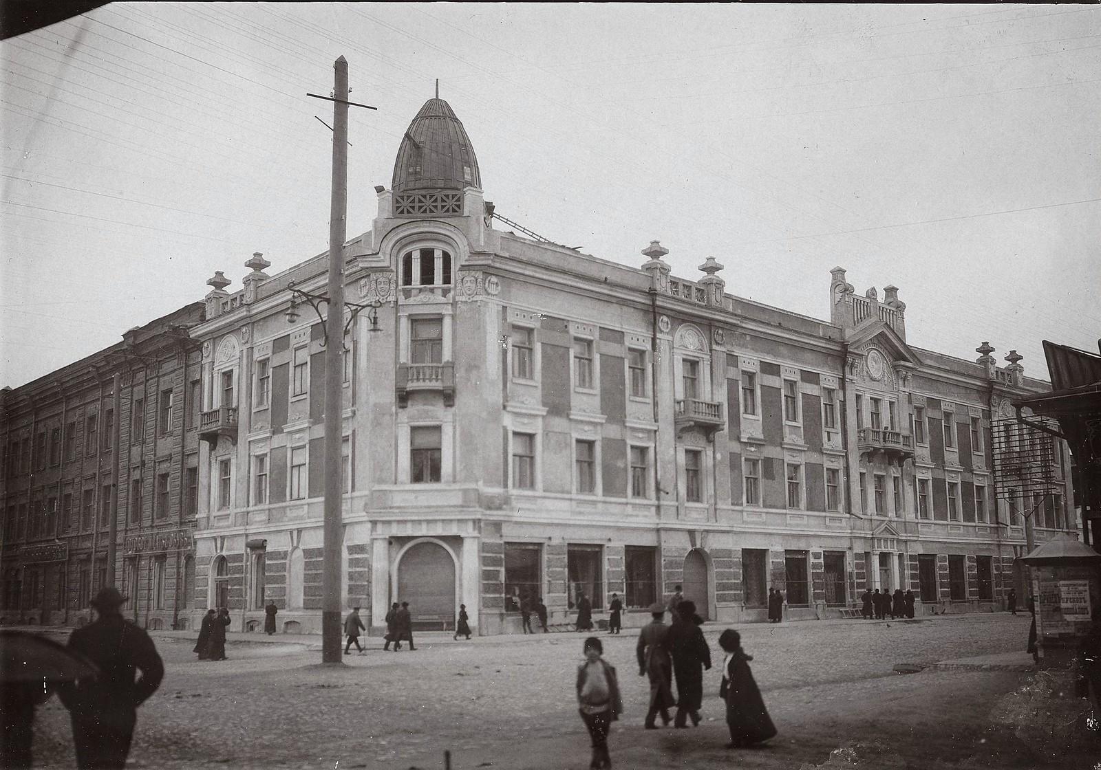 Торговый дом купца И.Г. Гадалова. 1913