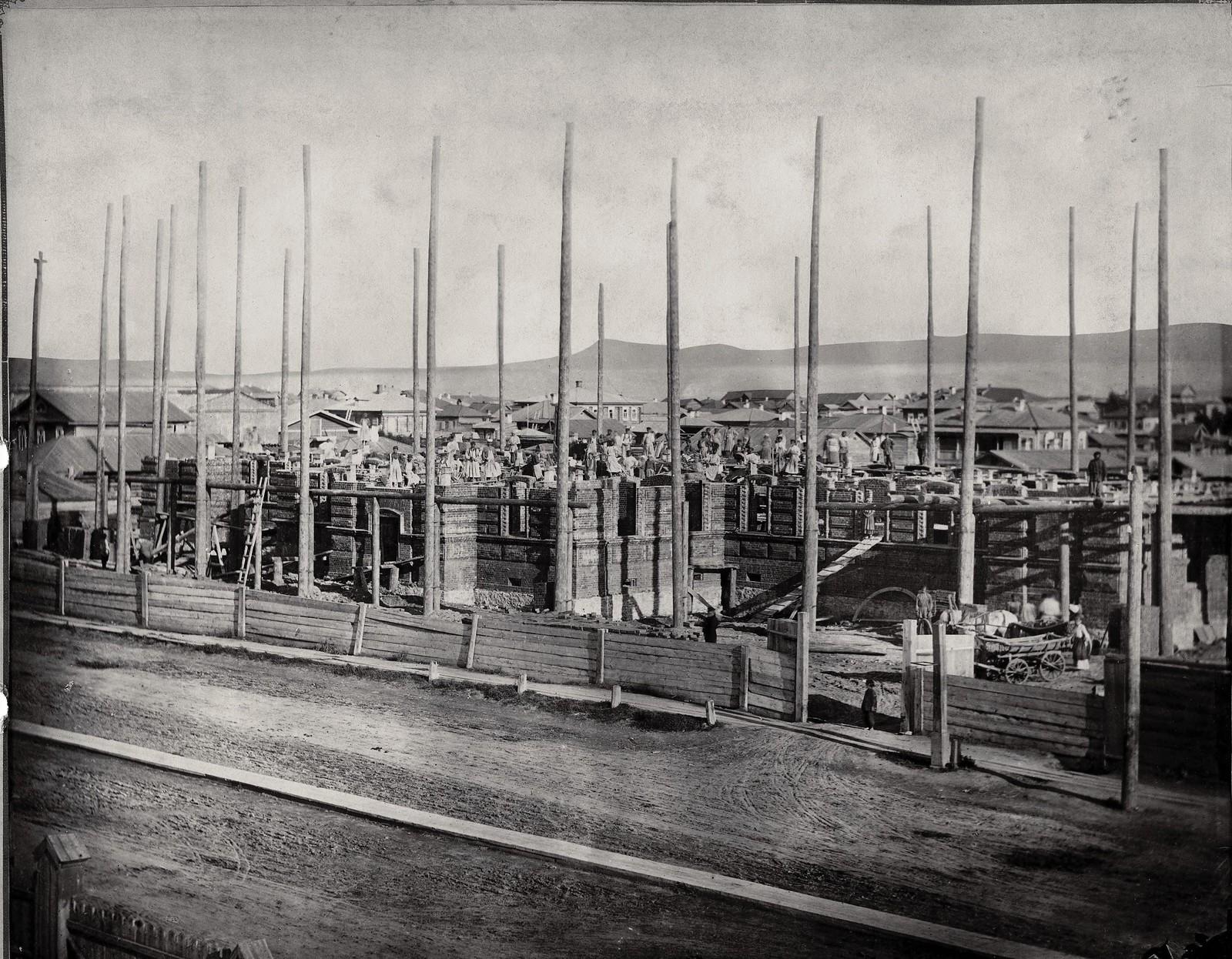 Строительство Красноярской женской гимназии. 1883