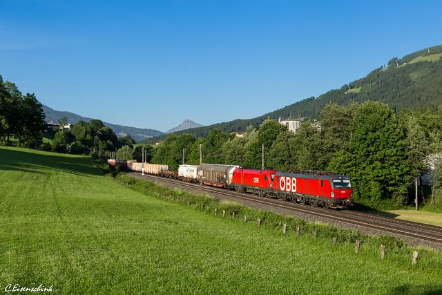 ÖBB 1293 190 mit 1116 150 bei Westendorf