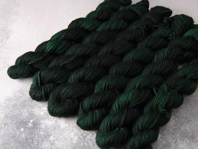 Favourite Sock Minis – pure Merino wool superwash 4 ply / fingering hand dyed yarn 20g miniskeins – 'Monstera'