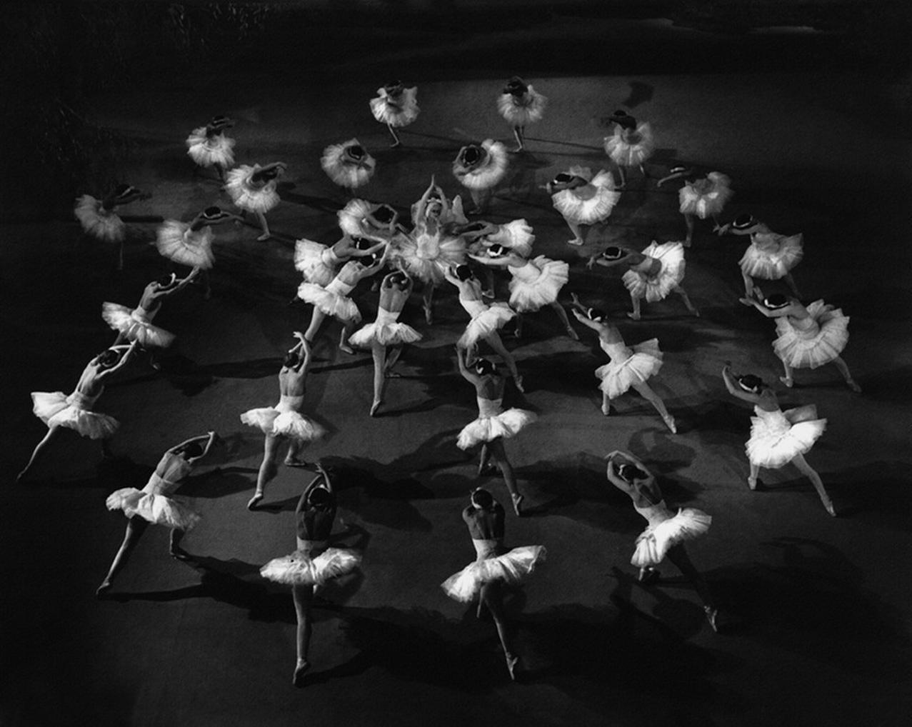 1963. Сцена из балета «Лебединое озеро». Большой театр