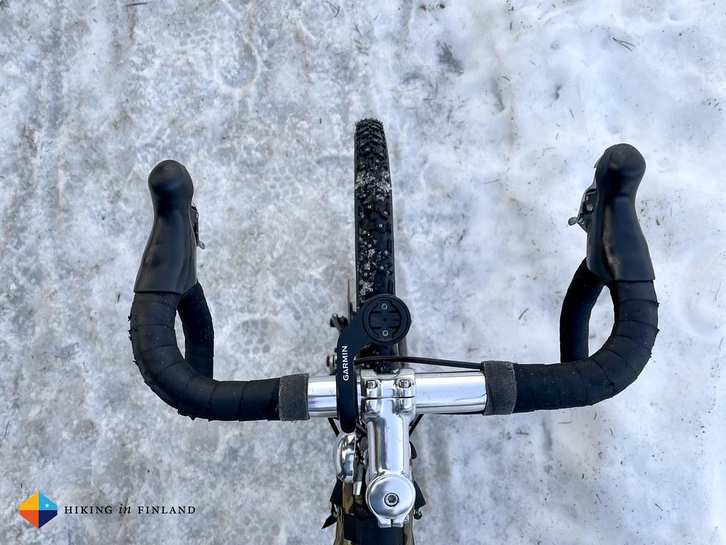 reTyre Winter Traveler Skin on ice
