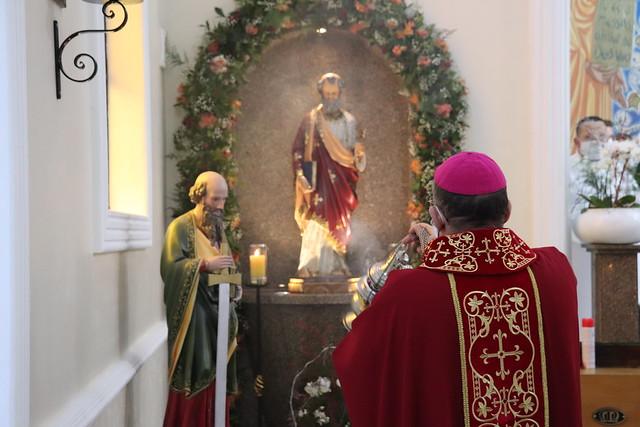 Solenidade de São Pedro e São Paulo - Missa presidida pelo Dom Edmilson - Paróquia São Pedro Apóstolo
