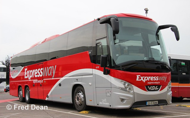 Bus Éireann LX23 (211-D-24266).