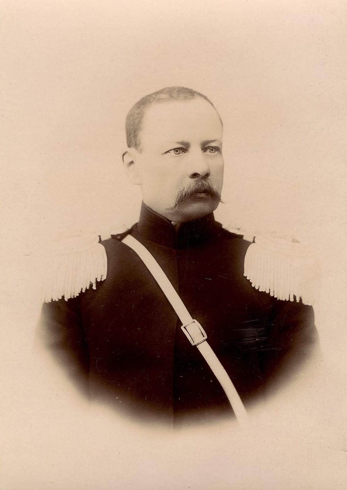 Яненко Василий Иванович - командир Красноярской конной казачьей сотни. 1890