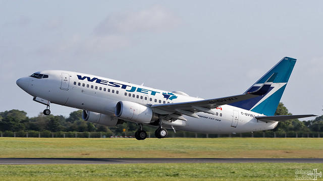 WestJet 🇨🇦 Boeing 737-700 C-GVWJ