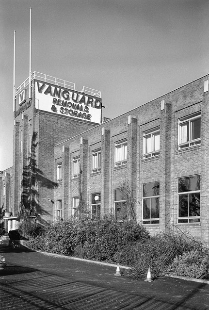 Vanguard Removals, Alperton Lane, Alperton, Ealing, Brent, 1990, 90-11s-44
