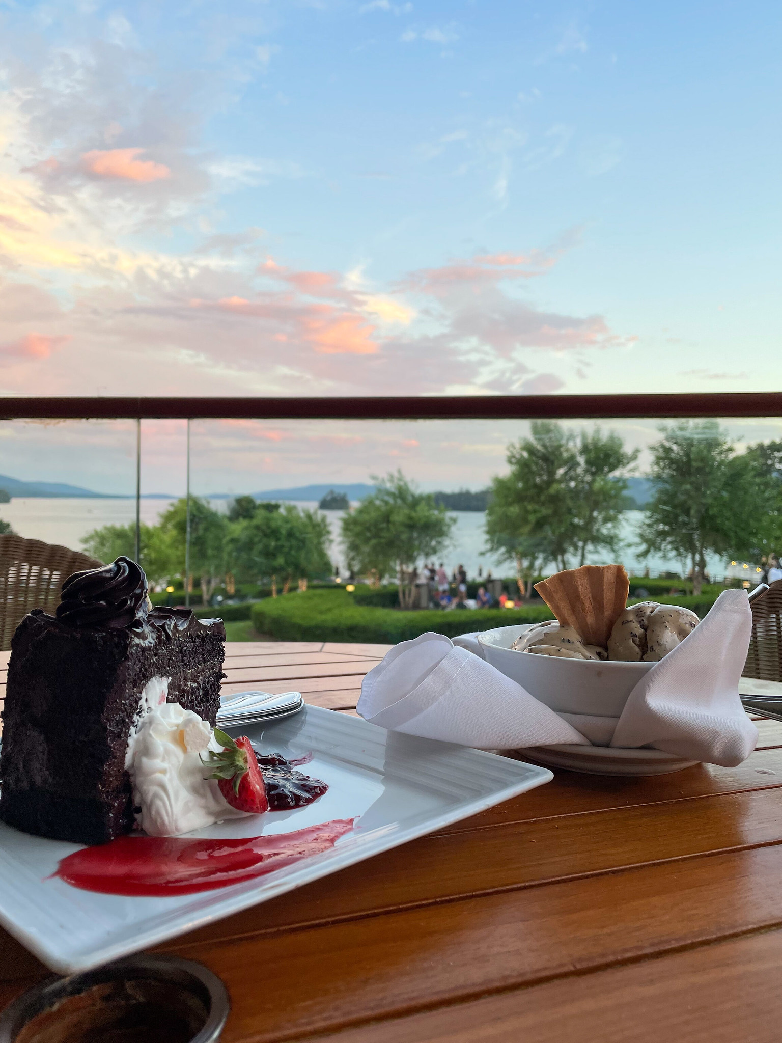 What to Eat in Lake George | Best Lake George Restaurants | 5 Reasons to Visit The Sagamore Resort on Lake George, NY this Summer | Where to Stay in Lake George | Adirondacks Vacation | Upstate New York Travel Guide | Top Luxury Resort in the Northeast | American Road Trip Ideas | Best Place to Stay in Bolton Landing, New York