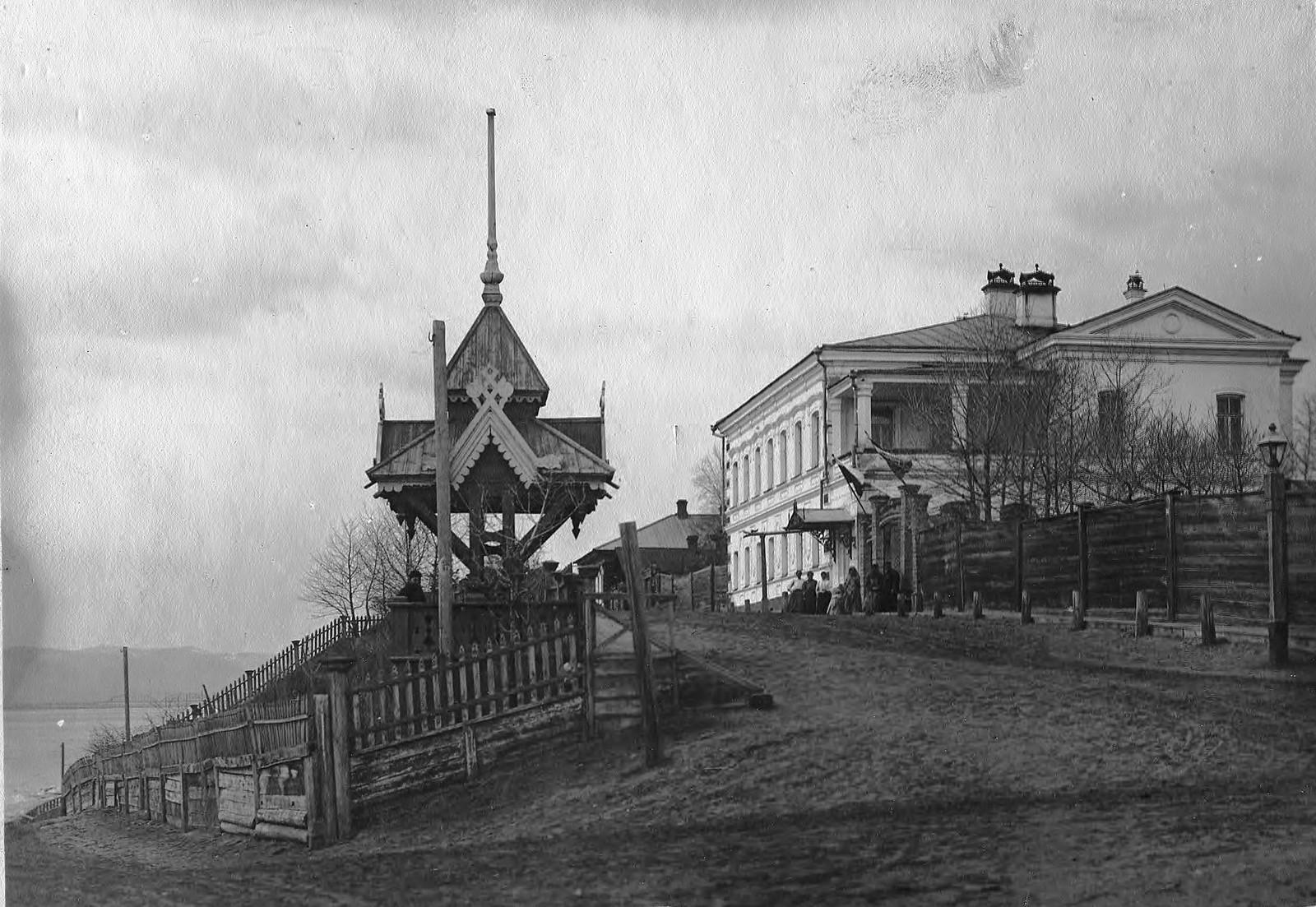 Усадьба Ю.П. Матвеевой с небольшой перспективой Садовой улицы (угол Садовой и Степановского переулка). 1890