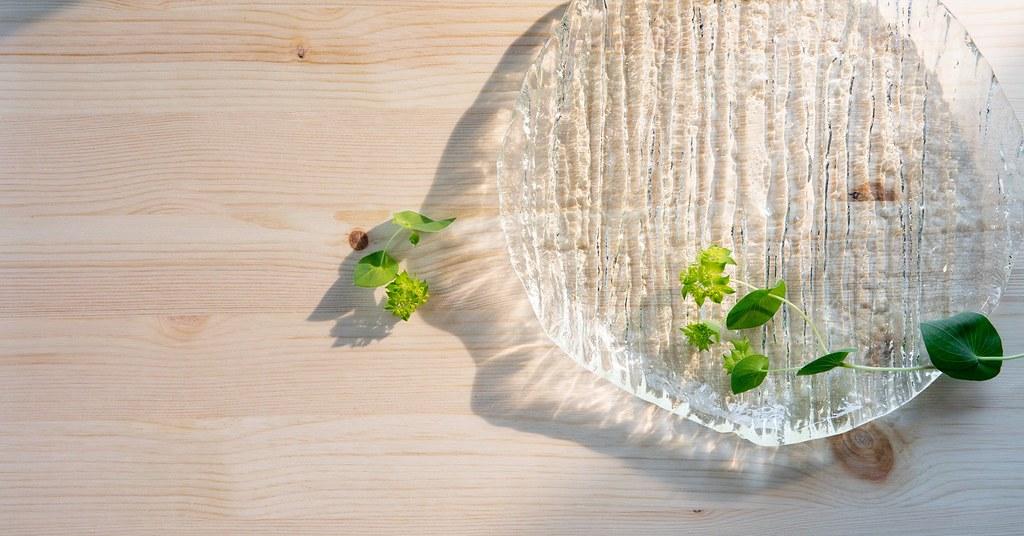 廢棄日光燈管為原料 日本流冰玻璃藝品融入減碳思維