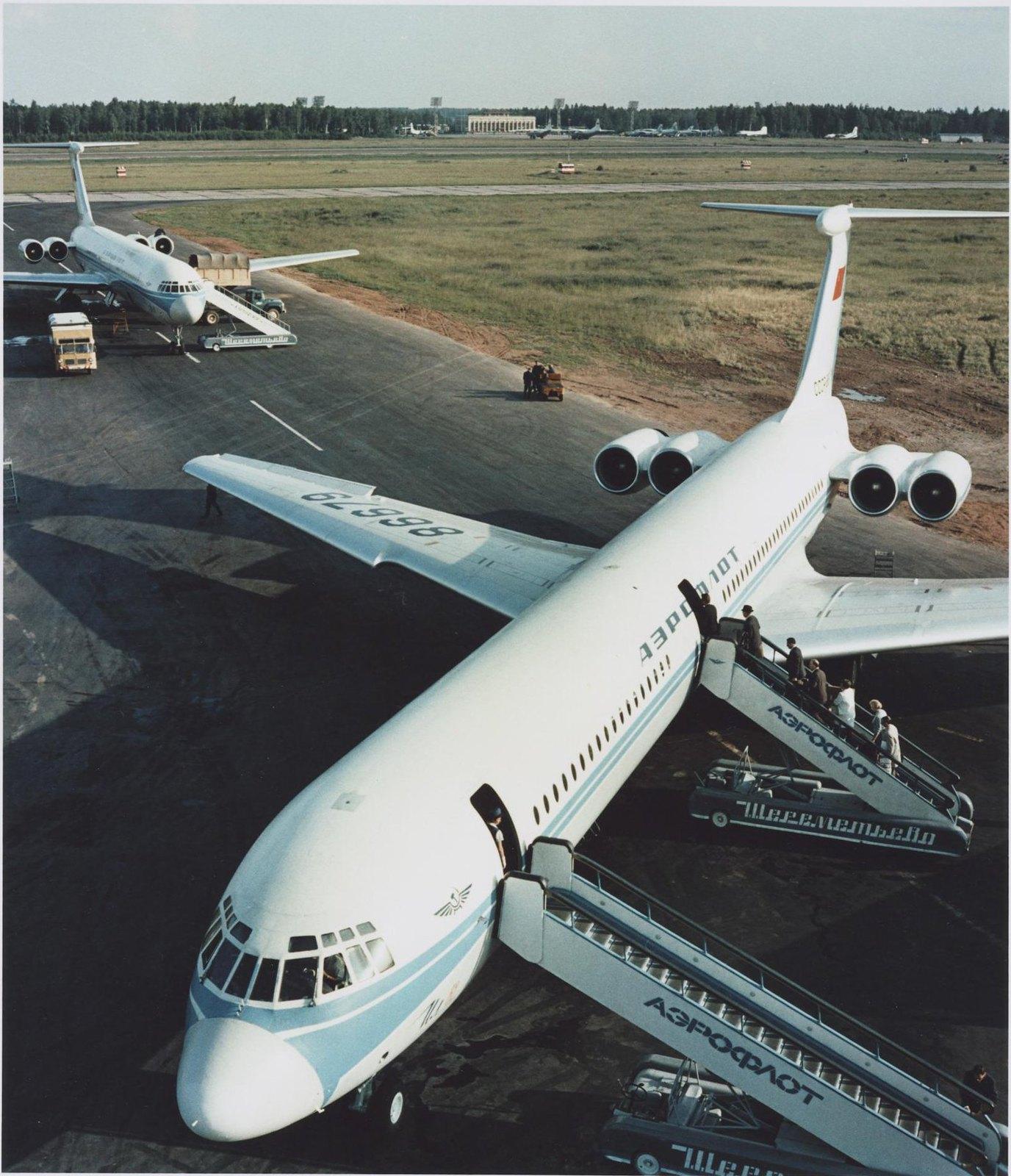 1970.  Аэропорт «Шереметьево». Самолет Ил-62