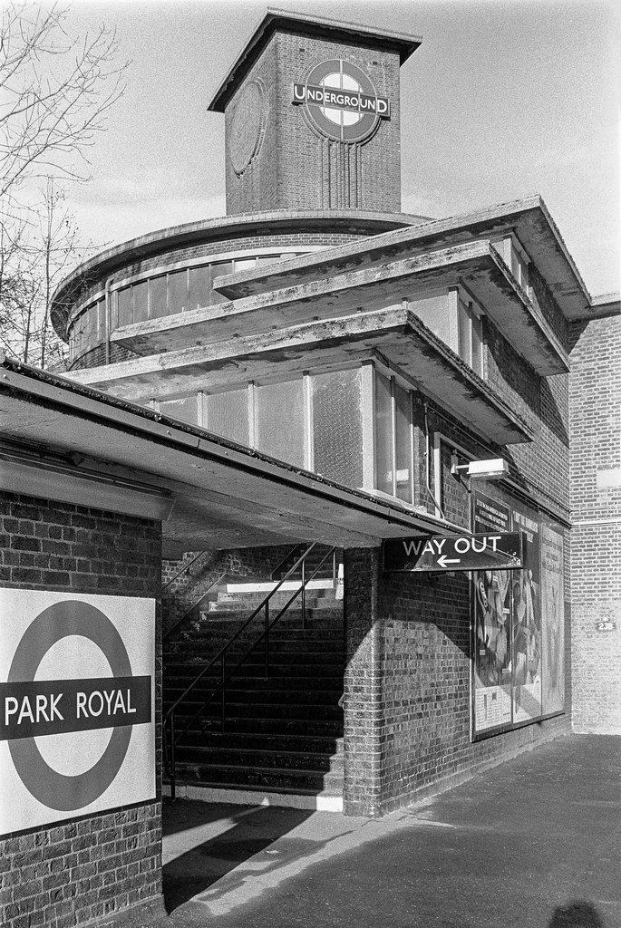 Park Royal Station, Western Ave, Park Royal, Ealing, 1990, 90-11r-55