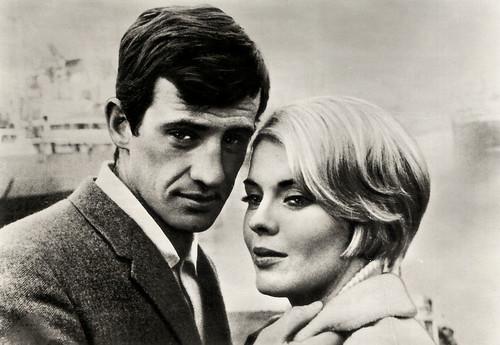 Jean-Paul Belmondo and Jean Seberg in Échappement libre (1964)