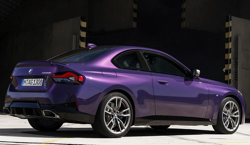 2022-BMW-2-Series-Coupe-M240i-230i-3-1