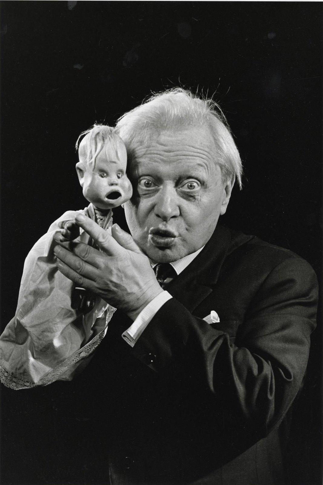 1971. «Сергей Образцов и кукла Тяпа»