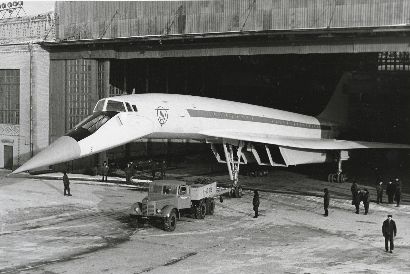 1968. Первый полет самолета ТУ-144