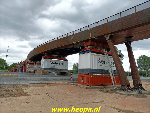 2021-07-07    fiets en voetgangersbrug over de Hogevaart Waterlandseweg  (met toestemming gemaakt (2)