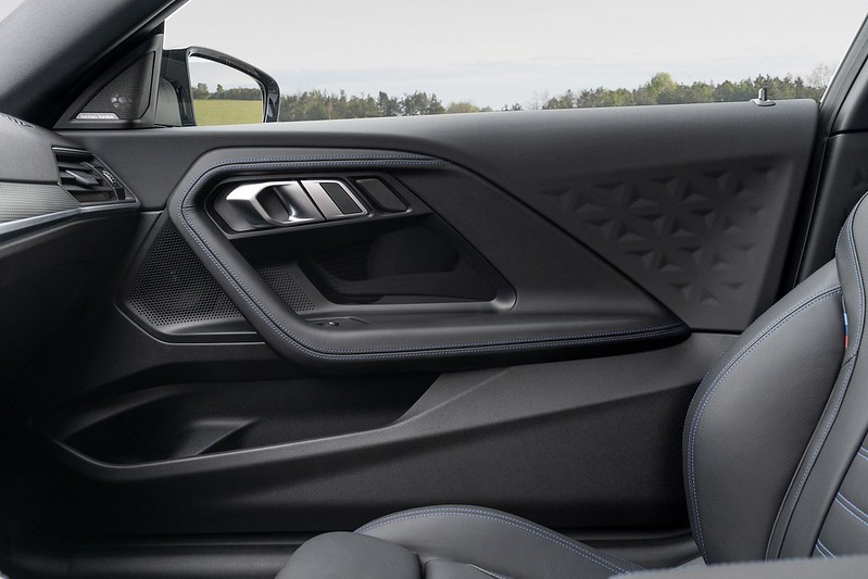 2022-BMW-2-Series-Coupe-M240i-230i-44