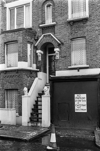 House, High Rd, Willesden, Brent, 1990, 90-12c-54