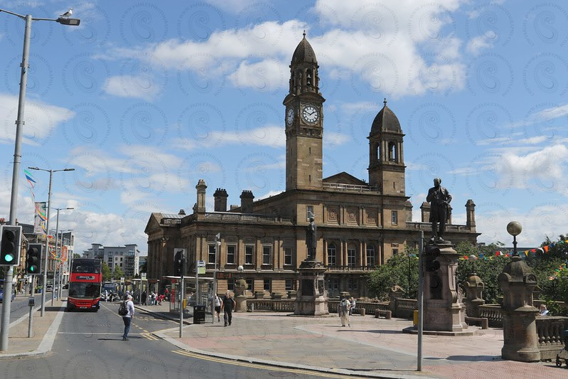Paisley Cross on a Summers day
