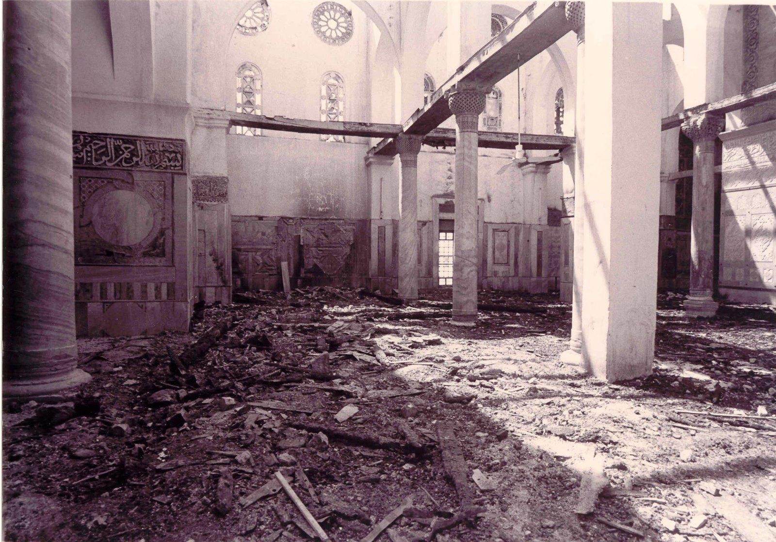 08. Внутри мечети после пожара