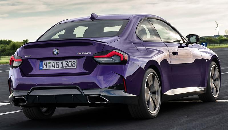 2022-BMW-2-Series-Coupe-M240i-230i-15