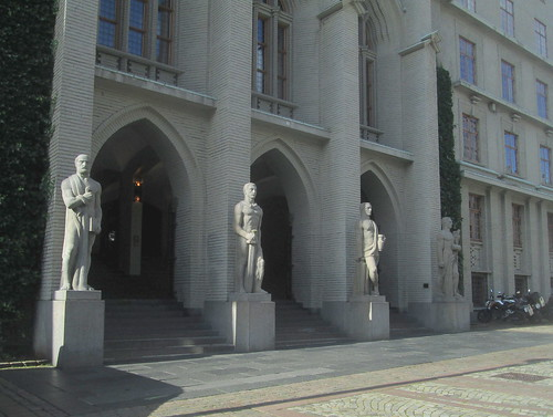 Art Deco Style Figures, Bergen