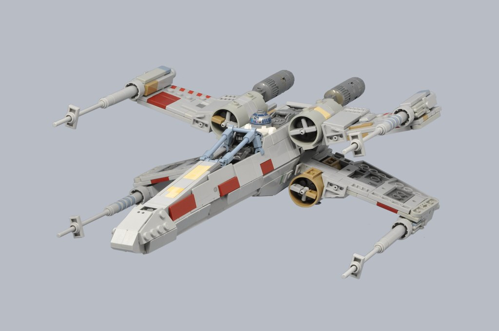 T-65 X-Wing: Red 5 (1)