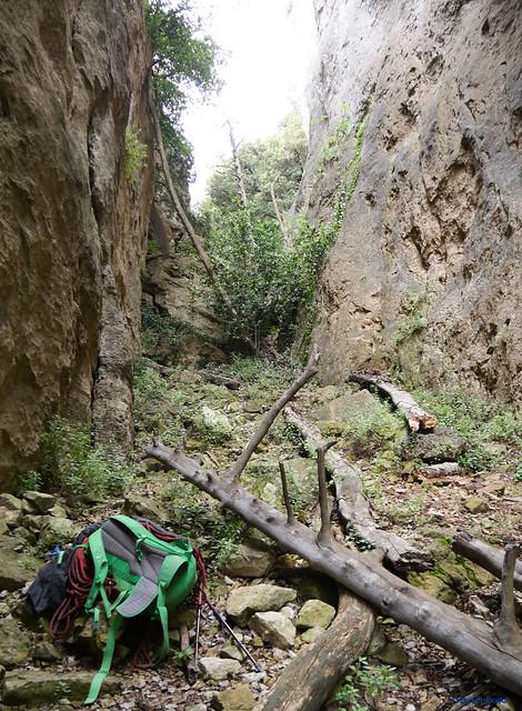 Mont-Ral -01- Vall del Riu Glorieta -04- Subsector Els Gegants per Dins y Paret del Grèvol -01- Acceso -05- Pie de Vía Principal 01