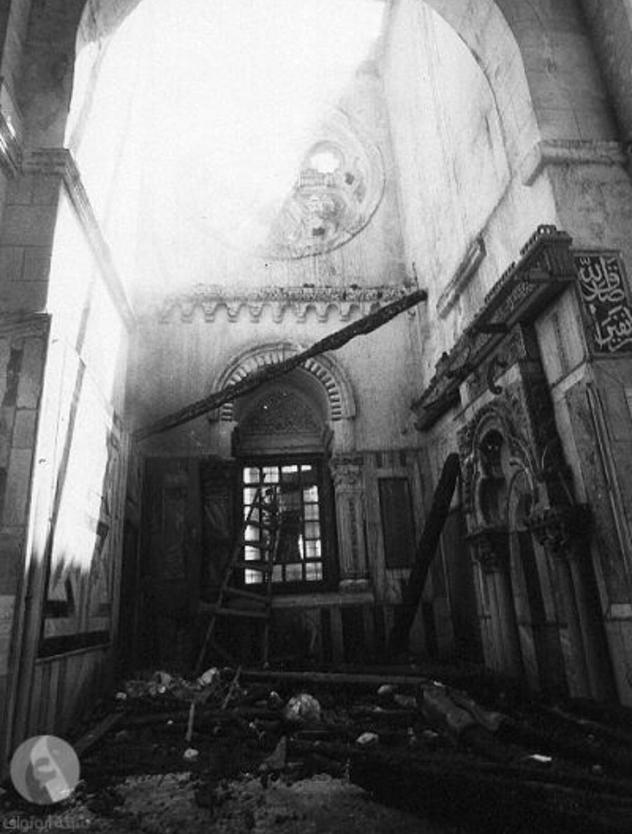 04. Внутри мечети после пожара