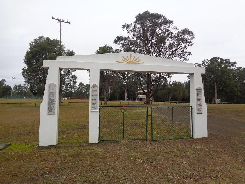 Lansdowne Nsw : War Memorial